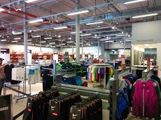 Foto relacionada com a empresa Nike Factory Store