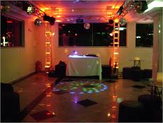 Foto relacionada com a empresa Multsom Sonorização Iluminação e Telão