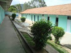 Foto relacionada com a empresa Estadual Professor e Araújo