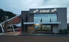 Foto relacionada com a empresa Hotel M M